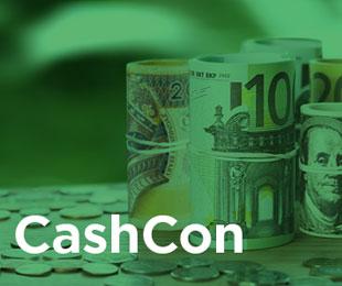 """Gerollte Geldscheine und Münzen hinter Schriftzug """"CashCon"""" grün gefärbt"""