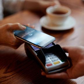 Per Smartphone am Terminal bezahlen