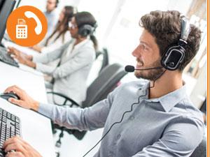 Support Mitarbeiter mit Headset